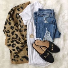 Stylish cardigans and coatigans for girls to discover you along with the seasons. Instagram Outfits, Casual Outfits, Cute Outfits, Fashion Outfits, Fashion Trends, Sporty Fashion, Fashion Lookbook, Fall Winter Outfits, Autumn Winter Fashion