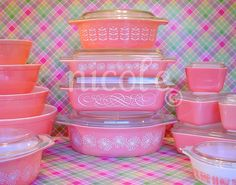 Oooh pink Pyrex.  Nicole has the best stuff.
