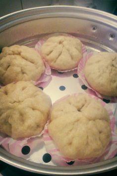 Chinese dumpling with char siu meat. Recipe here http://www.savourydays.com/banh-bao-nhan-xa-xiu/