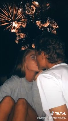relationship goals- the cutest relationships… show yours😊❤️ Cute Teen Couples, Teenage Couples, Cute Couples Photos, Cute Couples Goals, Goofy Couples, Cutest Couples, Teen Couple Pictures, Couple Goals Teenagers, Cute Couple Videos
