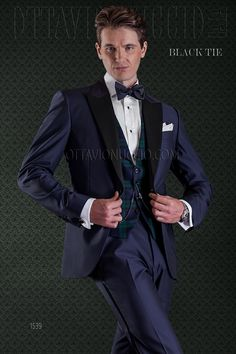 Dark blue tuxedo in wool blend  #Bespoke #tuxedo #madeinitaly #groomsuit #weddingsuit