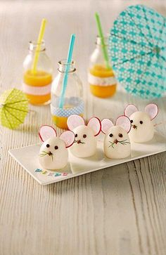 Eier-Mäuse Egg Mice, a very nice recipe from the category snacks and small dishes. Cute Snacks, Snacks Für Party, Cute Food, Funny Food, Kreative Snacks, Food Art For Kids, Creative Food Art, Food Carving, Party Finger Foods