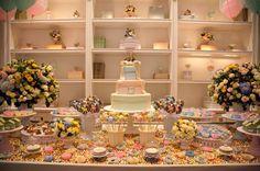 Chá de bebê em tons pasteis - mesa de doces