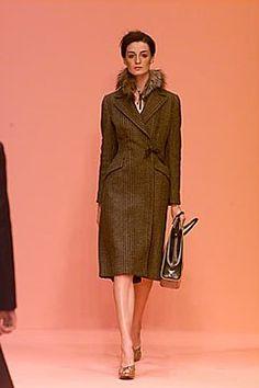 Prada Fall 2000 Ready-to-Wear Collection Photos - Vogue