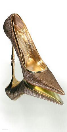 Head over Heels - Gianmarco Lorenzi Precious Golden Pumps 2014 -. Cute Shoes, Me Too Shoes, Shoe Boots, Shoes Heels, Gold Shoes, Prom Shoes, Gianmarco Lorenzi, All About Shoes, Crazy Shoes