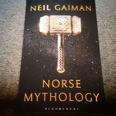 Finally! It's here!  See you afterwards  @neilhimself #neilgaiman #norsemythology #bookstagram #bookishgirl #books #bøker #boktips #lesehest #lesetips #leselyst