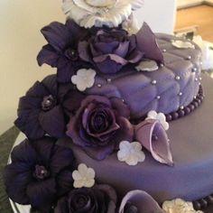 """""""#lilla #purple #blomster #flowers #roser #rose #liljer #bakemag #kakekrigen…"""