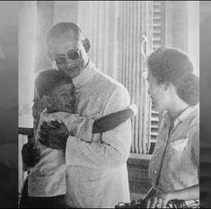 """ไม่เสียใจที่พระองค์เสด็จสวรรคต...แต่เสียใจที่ """"ประเทศไทย"""" ไม่มีพระองค์แล้ว King Rama 10, King Phumipol, King Of Kings, King Queen, King Picture, King Photo, Thailand History, King Thailand, Queen Sirikit"""