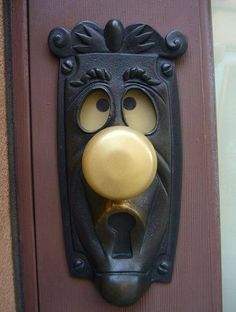 Alice in wonderland door knob ... I would totally put this on my front door!