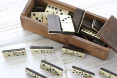 French vintage dominos game. French dominos game. par Passesimple