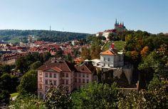Resultado de imagen de villa richter Villa, Mansions, House Styles, Restaurants, Traveling, Home Decor, Prague, Viajes, Decoration Home