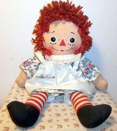 VINTAGE KNICKERBOCKER MUSICAL RAGGEDY ANN CLOTH DOLL - WORKS Annabelle Doll, Raggedy Ann And Andy, Doll Face, Doll Clothes, Harajuku, Musicals, Ann Doll, Rag Dolls, Antiques