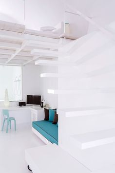 #TotalWhite and touches of turquoise for Aisling Micro Hotel's luxury suites with panoramic terrace, in the heart of #Oia #white