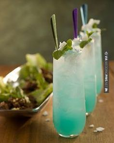 So cool - mint turquoise signature wedding drink | CHECK OUT MORE GREAT GREEN…