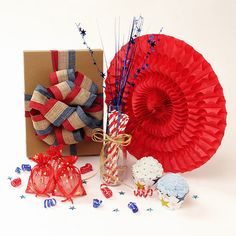 Patriotic Party Decorations everything you need for throwing the perfect 4th of July party (aff link)