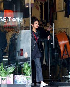 @selenagomez in Trendy Vintage Twin in Soho New York [September 2]  #SelenaGomez en Trendy Vintage Twin en Soho Nueva York [Septiembre 2]  #Selena #Selenator #Selenators #Fans