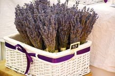 Try a DIY Foot Soak and give your tootsies a much-needed break. Use your favorite essential oils and make the DIY foot soak of your dreams. Pallet Tool, Foot Soak Recipe, Diy Foot Soak, Lavandula Angustifolia, Basket, Diy Projects, Crafts, Craft Ideas, Home Decor