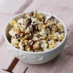 Salted Caramel and Dark Chocolate Popcorn- perfect for the sweet and salty cravings! {recipe}
