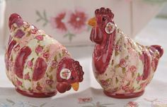 40RS011 - Patchwork Chicken Salt & Pepper Shakers
