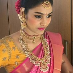 Traditional Necklaces for Women Indian Jewelry Sets, Indian Wedding Jewelry, South Indian Jewellery, India Jewelry, Temple Jewellery, Indian Bridal, Indian Weddings, Gold Jhumka Earrings, Gold Earrings Designs