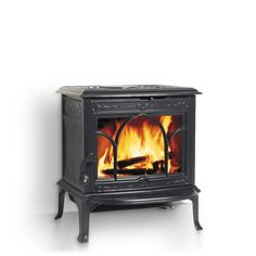 Jøtul F 100 Nordic QT with Black Paint: tiny & beautiful. Ideal for my chilly family room