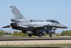 Lockheed Martin F-16DJ Fighting Falcon - Poland - Air Force | Aviation Photo #3896417 | Airliners.net