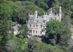 Quinta da Regaleira in Sintra: A fairy tale Palace - Estoril Portugal Lisbon, Beautiful Gardens, Palace, Fairy Tales, Portugal, Romantic, Mansions, House Styles, Mysterious