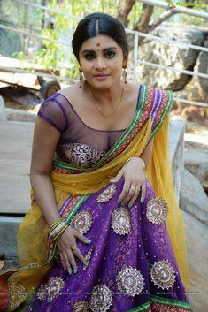 Hot And Spicy Actress Photos Gallery: Actress Harini Hot Saree Photos Beautiful Saree, Beautiful Indian Actress, Saree Navel, South Actress, Indian Models, Hot Actresses, India Beauty, Indian Girls, Bollywood Actress