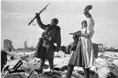 Victoria soviética en Stalingrado. Fin del nazismo en Europa.
