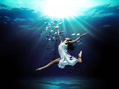 Mark Mawson. Underwater Photography Art. amazing. dancing among fish. dreaming girl, inspiration