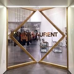 #分享Instagram# Saint Laurent Paris Retail Installation #SaintLaurent #SaintLaurentParis #BeverlyHills #RodeoDrive #Architecture #InteriorDesign #RetailDesign #CreativeDirector #HediSlimane #SalonsDeCouture