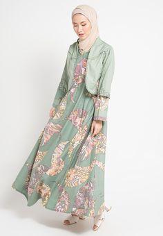 Batik Fashion, Abaya Fashion, Muslim Fashion, Fashion Dresses, Batik Muslim, Muslim Dress, Brokat, Batik Dress, Fashion Couple