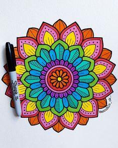 Mandalas mandala art, art drawings y mandala. Mandala Art Lesson, Mandala Doodle, Mandala Artwork, Mandalas Painting, Mandalas Drawing, Zen Doodle, Easy Mandala Drawing, Doodle Art Drawing, Zentangle Drawings
