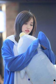 Penguin Mina Twice Mina Kpop Girl Groups, Korean Girl Groups, Kpop Girls, Nayeon, Sana Momo, Myoui Mina, Twice Kpop, Dahyun, Dance The Night Away