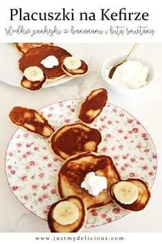Pancakes Bunnies for Healthy Breakfast or Easter Healthy and super cute pancakes which looks like bunnies. Perfect for kids breakfast, lunch, dinner, dessert or supper. Breakfast For Kids, Kefir, Cute Food, Fritters, Whipped Cream, Food Styling, Pancakes, Food Photography, Bunny