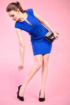 Kolejne zdjęcie z sesji zdjęciowej dla sklepu Kari #kari #sklepkari #depare #model #dress #shoes #prettymodel