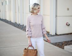 I love white jeans. I think I like wearing them more in the winter than I do spring. Today I'm sharing 3 easy tips on how to wear white jeans in the winter. Ankle Boots With Jeans, How To Wear Ankle Boots, Cropped Jeans Outfit, How To Wear White Jeans, Flattering Outfits, Kick Flare Jeans, All Black Outfit, Red Pants, Clothes