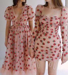Alerta tendência: o vestido com estampa de morango está se tornando viral   We Fashion Trends