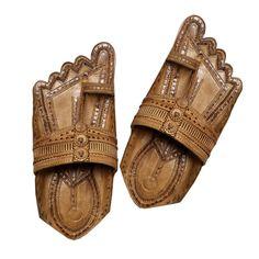 Sandalias de cuero hecho a mano única de Kolhapuri de kolhapurichappals en Etsy https://www.etsy.com/mx/listing/400900391/sandalias-de-cuero-hecho-a-mano-unica-de