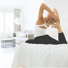 Mit Yoga in die neue Woche! Funktionelle Mode für aktive Menschen gibt's bei unserem Lieblingsbrand Nice To Meet Me zu entdecken - nachhaltig produziert in Europa!  : JuYogi  http://ift.tt/2eNRe4c