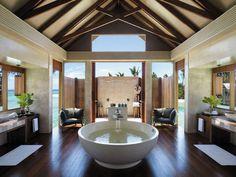 Bathroom at Shangri-La's Villingili Resort and Spa (Maldives)