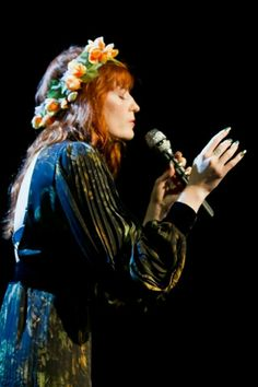 Florence Welch, the woman of many talents Music Icon, Her Music, Music Is Life, Florence Welch, Kari Jobe, Sara Bareilles, How Beautiful, Beautiful People, Beautiful Things