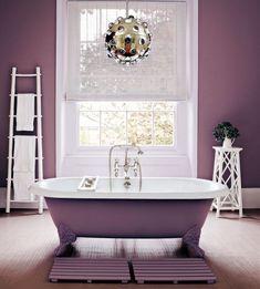 Transformation De La Salle Bain Blanche Avec Decoration En Couleur Violet Tendance 2018 Modele