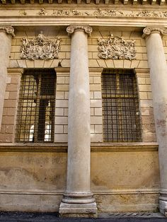 This column is an example of the Ionic order. Renaissance Architecture, Architecture Old, Architecture Drawings, Classical Architecture, Architecture Details, Andrea Palladio, Old Town Italy, Ionic Order, Vicenza Italy