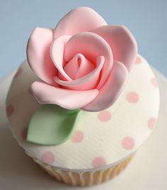 Pink Rose & Polka Dots Cupcake