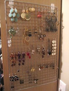 From a baking cooling rack to a grid to hold the earrings, from Sew many Ways blog!