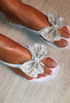 Glisten White Diamante Bow Flip Flops is part of Shoes - Shop the new white flip flops at Pink Boutique order now with UK Next Day Delivery! Bling Sandals, Bling Shoes, Cute Sandals, Cute Shoes, Me Too Shoes, Bow Shoes, Wedding Flip Flops, Bow Flip Flops, Flip Flop Shoes