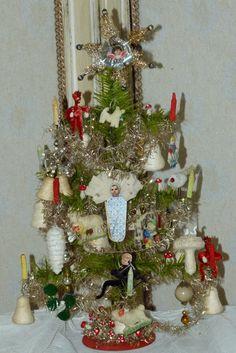 Traumhafter Wiener Gansfederbaum, Tragant miniaturen , um 1900