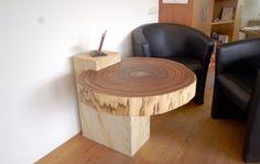 Design-Tisch aus Zebrano-Baumscheibe im Sandsteinblock