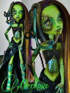 """Medusa"" custom OOAK monster high Casta Fierce repaint by @LadySpoonArt"